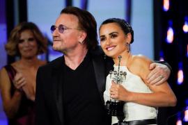 Penélope Cruz y Bono