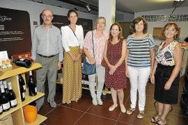 Cata solidaria en Bodegas JL Ferrer organizada por el Colegio de Economistas