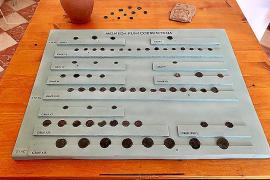 El Ajuntament Vell de Formentera acoge una colección de monedas históricas