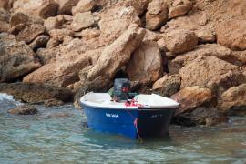 Cinco nuevas pateras desembarcan a medio centenar de migrantes en las Pitiusas