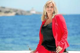 El Parlament analiza la contratación de Marta Díaz