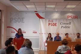 Armengol celebra la coordinación para paliar la caída de Thomas Cook en Baleares