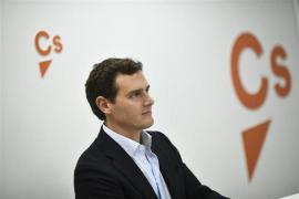 Rivera se abre a pactar con el PSOE tras el 10N