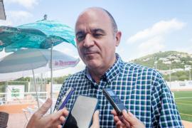 Vicent Marí denuncia la inacción de PSOE y Podemos