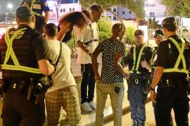 Guerra policial abierta a la venta de droga al menudeo en Punta Ballena.