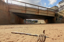 El torrente a su paso por Sant Llorenç con restos de la riada