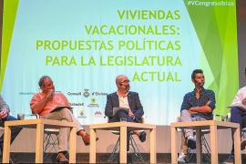 Los ayuntamientos piden más «control» para atraer turismo de calidad a Ibiza