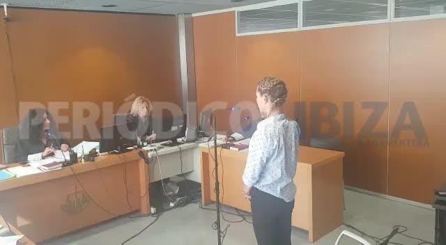 Dos años de prisión para la mujer que acuchilló a un hombre en Cala de Bou