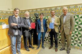 Convenio de colaboración de la editorial Moll con el IEC