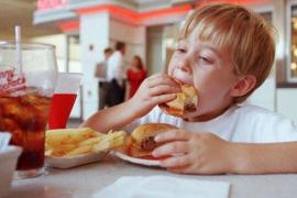 La comida basura cada vez está más presente en las dietas infantiles