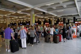 El certificado de residente vuelve a ser obligatorio para el descuento en los viajes