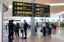 Cancelados otros 45 vuelos en El Prat tras un colapso que dejó 131 heridos