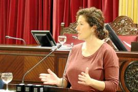 El Parlament insta al Govern a conectar las Pitiusas a primera y última hora todo el año