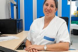 «Las pacientes se quedan en shock cuando les comunicas que tienen cáncer de mama»