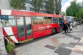 Vila dice que los autobuses «congestionan» el centro y se plantea asumir el transporte del municipio