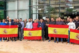 Representantes de Ciudadanos muestran su apoyo a la Policía Nacional