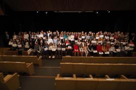 Un centenar de alumnos de Ibiza reciben un premio a la excelencia académica
