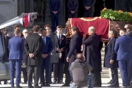 La familia, ante el féretro del dictador: «Viva España», «Viva Franco»