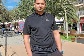 Oliver Mendoza, entrenador de fútbol: «Sería muy bonito dirigir algo en Ibiza»