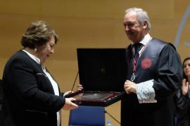La exdefensora del Pueblo, María Luisa Cava, premio a la Ética Jurídica