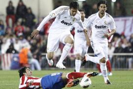 Cristiano refuerza al Real Madrid en el pulso por la Liga (1-4)
