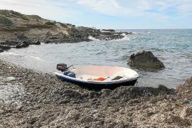 Avistan una nueva patera a cuatro millas de Formentera