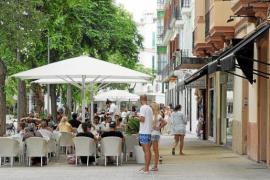 """Los hoteleros pitiusos piden a los políticos que """"rechacen la farsa"""" que supone el impuesto turístico"""