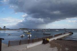 Las fuertes rachas de viento dejan seis incidencias en las Pitiusas