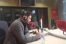 Rufián pide a los catalanes que se manifiesten pacíficamente contra el Rey