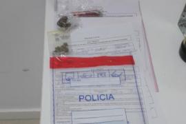 Denunciadas 38 personas en Ibiza por consumo de alcohol en la vía pública