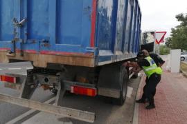 Doce denunciados en Sant Antoni en una campaña de control a vehículos pesados
