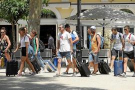 Las Pitiusas pierden 52.000 turistas en los primeros nueve meses del año