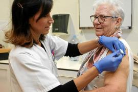 Arranca la campaña de la gripe con 15.180 vacunas en las Pitiusas para combatir el virus