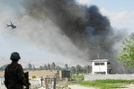 Comandos talibanes atacan edificios oficiales y embajadas en Kabul