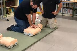El centro de salud de Formentera forma a 120 profesores en técnicas de primeros auxilios
