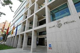El Consell d'Eivissa impone dos sanciones de 6.000 euros a vehículos VTC piratas