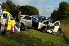 El accidente de tráfico en la carretera de Santa Eulària, en imágenes (Fotos: Renato Steinmeyer).