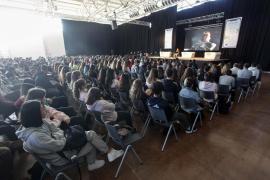 2.000 adolescentes llenaron el Congreso Vívete