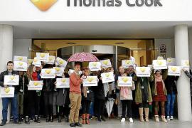 Concentración de trabajadores de Thomas Cook en Palma