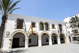 Santa Eulària destina 50.000 euros a ayudas para jóvenes que estudian fuera