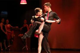Danza en Mallorca: Pasodos baila 'Los giros de la vida en un tango' en Trui Teatre