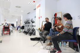 Plantagrama cumple tres años de música en el hospital Can Misses y en el de Formentera