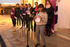 Un centenar de personas condenan la violencia machista en Formentera