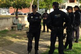 Un hombre prende fuego a una mujer en un parque de Palma