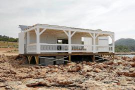 Costas no ve que haya ninguna razón para revocar la autorización del kiosco de Cala Gració