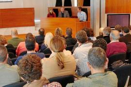 Consell y Ayuntamiento optan por trasladar el tráfico con Formentera al muelle de los andenes