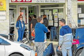 Las Pitiusas registran 8.587 personas sin empleo y una caída en la contratación