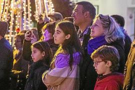 Sant Josep ya luce su tradicional alumbrado navideño