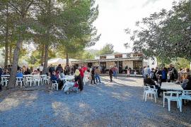 Los vecinos de Sant Vicent de sa Cala celebran el centenario de su escuela