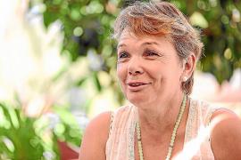 Lux apoya a la Asociación Elena Torres con un mercadillo navideño